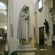 Cathedral of San Rufino (Assisi Cathedral) - Statue of Saint Clare